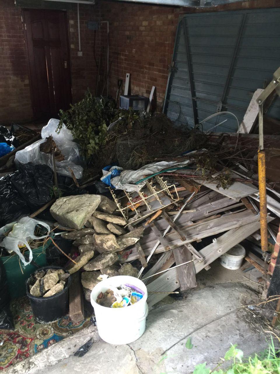 rubbish removalists Shoreditch
