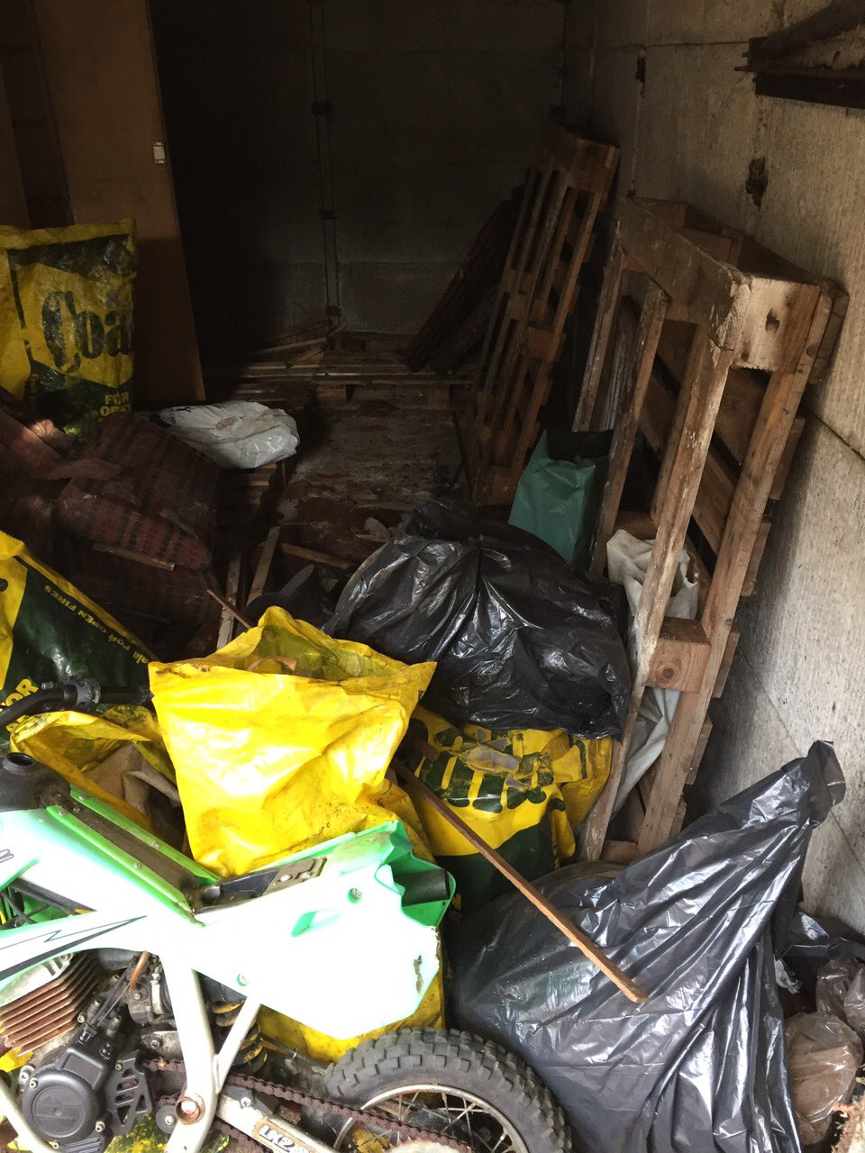 KT2 cellar clearance Coombe