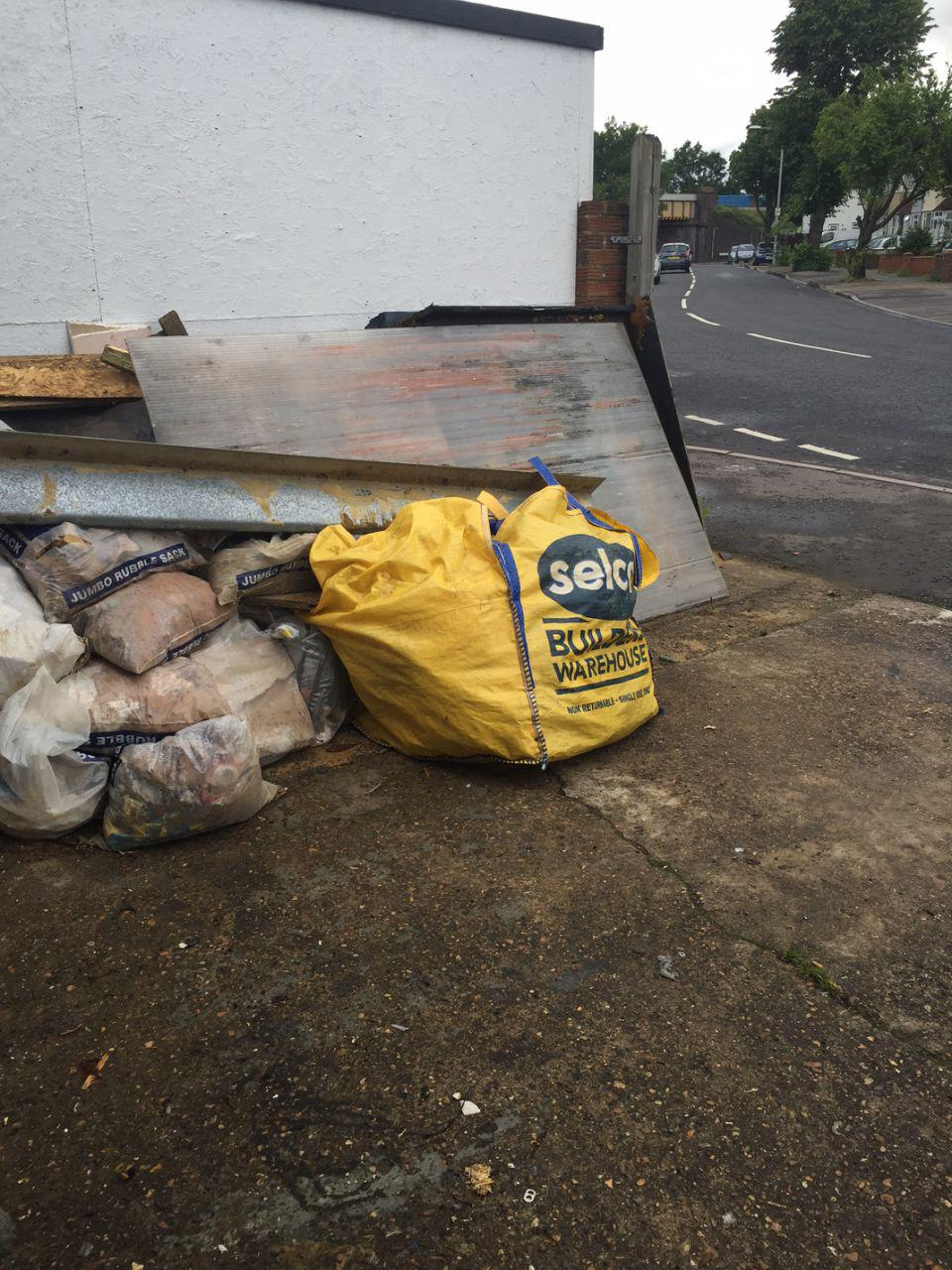 Oval rubbish clearance SW9
